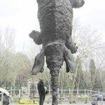 Frente al caixa forum Elefante