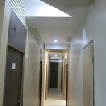 Photo de Hotel Travellers Inn