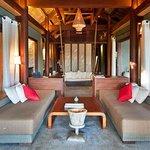 Lagoon villa lounge