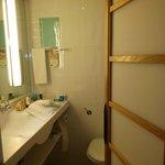 Novotel bathroom