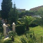 Les jardins vue de la piscine
