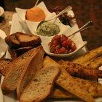 Photo de Terrace Restaurant in the Fairmont Frontenac