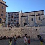 vista dell'albergo dalla piazza della Cattedrale