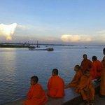 Monjes en Sisowath Quay