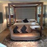 Huge bed (room 75)
