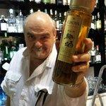 Mario e uno dei suoi prodotti introvabili, UMESHU, liquore giapponese alle prugne