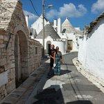 Alberobello!  Chi và in Puglia non può non venire qui!