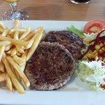 Plato combinado hamburguesa 9,90€