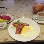 Cracking Breakfast