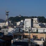 宇和島城もチラリと見えました(非常階段口から)。