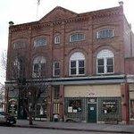 Howell's Cafe & Streamliner Lounge