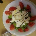 una semplice insalatona , le tagliatelle al tartufo (ottime) non le ho fotografate