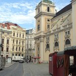 Close to many areas in vienna