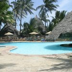 Pinewood Beach Spa & Resort pool