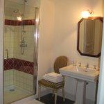 salle de bain de la chambre Colette