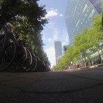 Парковка велосипедов рядом с отелем