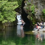 Lynn Canyon - Cliff Diving