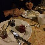 La degustazione di formaggi con marmellate fatte da loro!