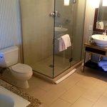 Bathroom, Rm 1902