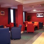 Bar and Lounge at Holiday Inn Express Aberdeen Hotel