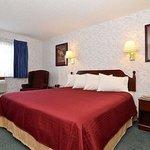 Lancaster Welcome Inn Room