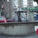 Fontaine qui se trouve sur le place