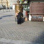 Samovar opposite the Kremlin