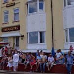 Queue at The Smugglers for Sunday Dinner!!!!!