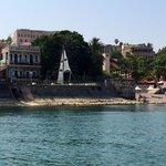 מלון בוטיק שירת הים שוכן על שפת הכנרת בטיילת יגאל אלון בטבריה. ניתן לראות את הזריחה בכל בוקר מגג