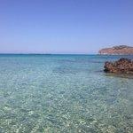 Il mare della spiaggia di fronte l'Aqua Marine