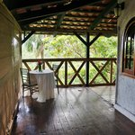Treehouse porch1