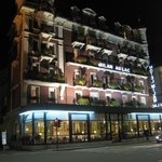 Night View of Hotel Milan du Lac