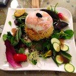 Oeuf poché au saumon sur lit croustillant