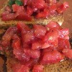 Bruschetta di pomodoro e basilico