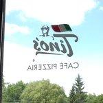 Foto de Tino's Cafe Pizzeria