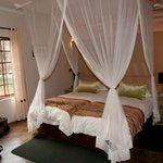 één van de slaapkamers in Limpopo house