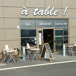 Zdjęcie A table