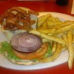 Hamburger com provolone and bacon