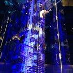 Weinbar mit Akrobatik