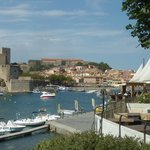 View of the restaurant and Collioure