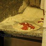 Un altra caratteristica delle nostre pizze è che non si presentano mai