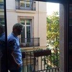 Fransk balkong mot gatan