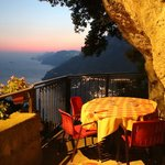 Stunning view/location - Great Pizza!