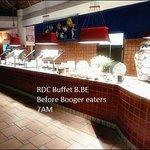 Buffet line Moo...