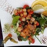 salade de coquille St Jacques et saumon