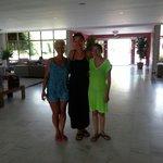 Con la fantastica al centro kety di yoga