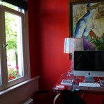 workspot in red room