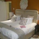 Very comfy bed ....
