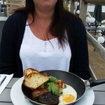 Fry up in a frying pan at the breaks restaurant! !