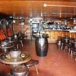 Le bar (photo prise au flach)